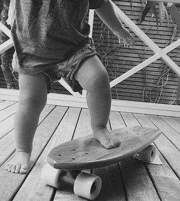 учим кататься ребенка на лонгборде